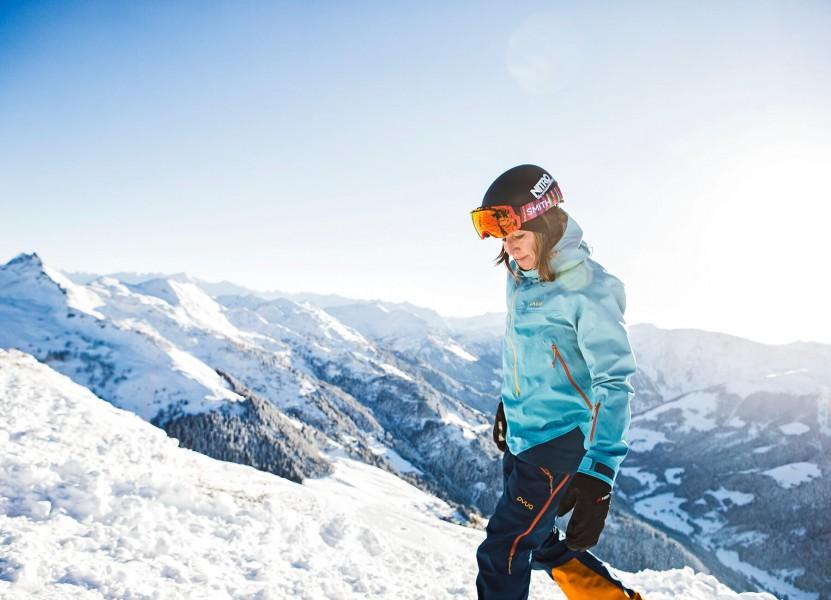 Pyua_Nicola_Thost_2_snowboard