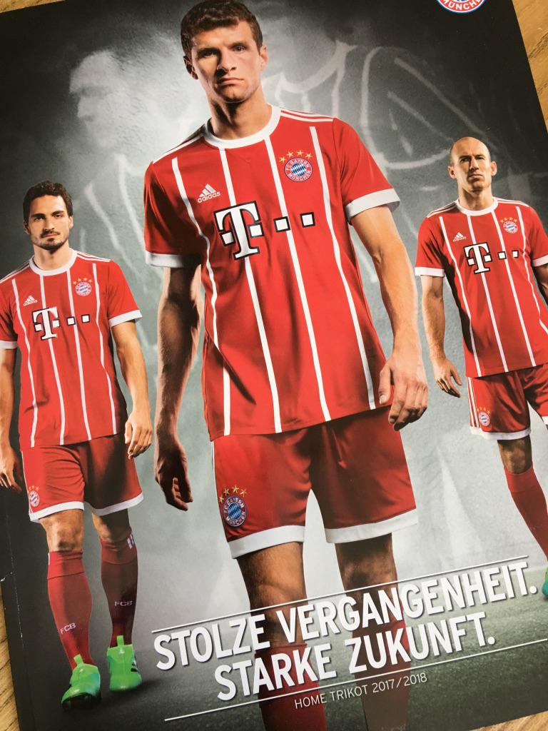 FC Bayern hat wieder neue Trikots